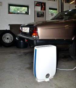 Der Meaco DD8L Schützt Diesen Jaguar In Der Garage Vor Zu Hoher Luftfeuchtigkeit